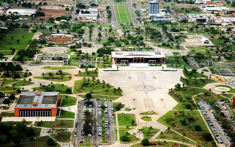 A Praça dos Girassóis (TO).