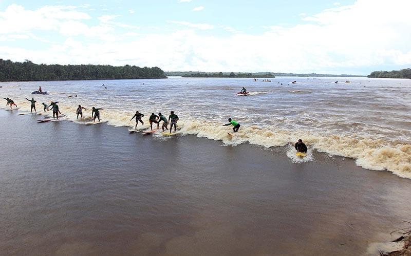 Surf na Pororoca