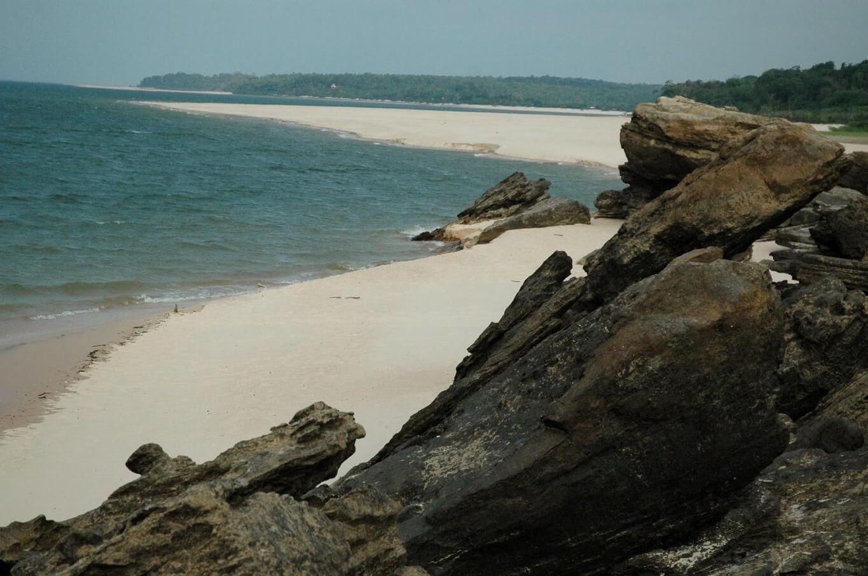 Praia de Ponta das Pedras em Alter do Chão