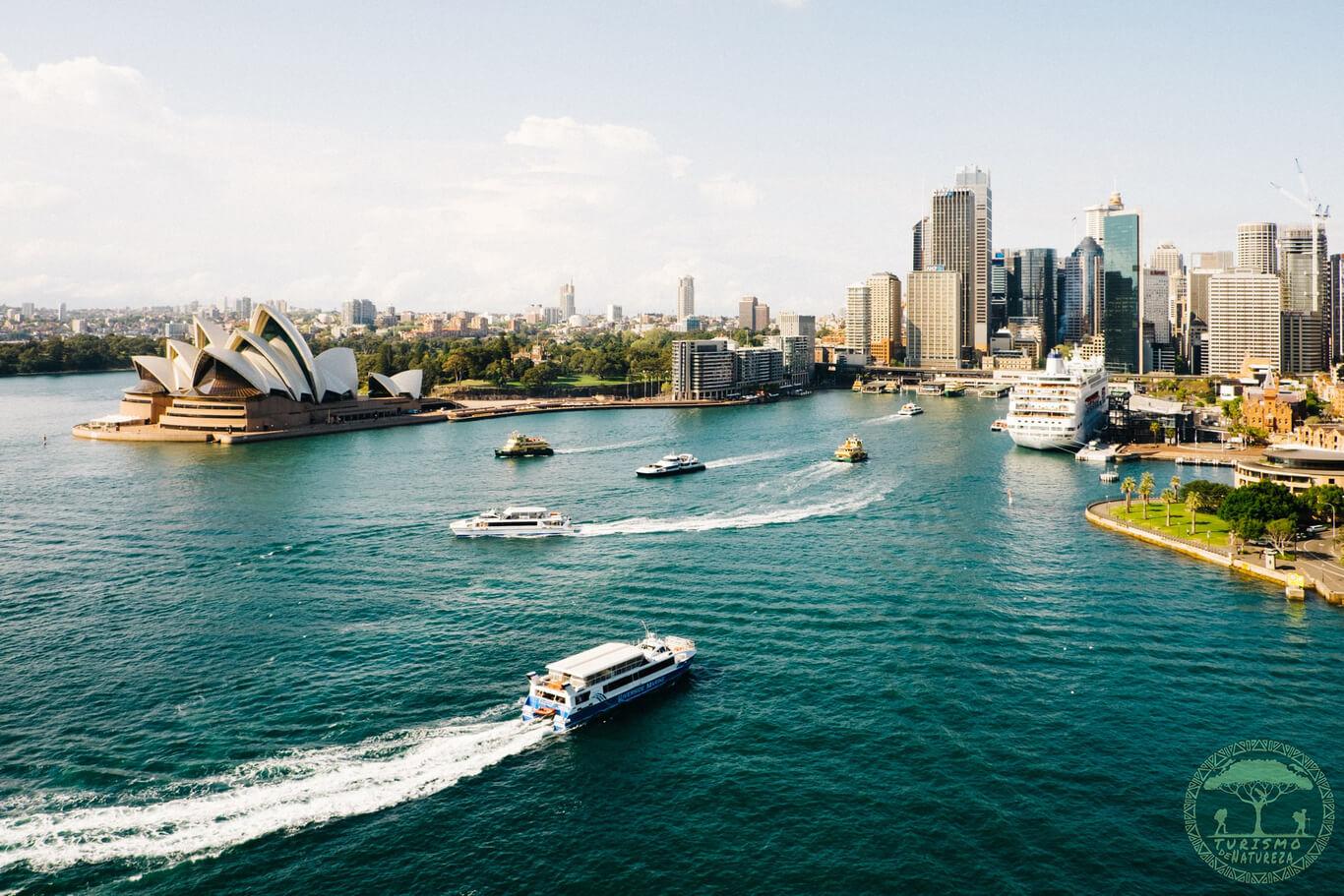 Baía de Sydney e Opera House.