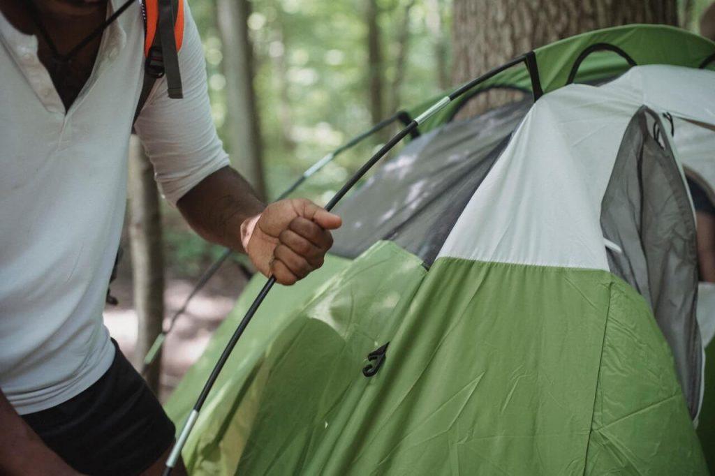 Na hora de escolher sua barraca de Camping, atente-se sobre sua costura.